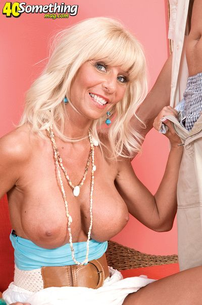 Stormy Lynne Likes Respecting Execrate Watched...so Watch Her!