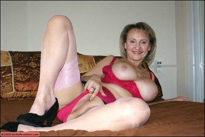 Classy mature spoil shows off her excellent flock here her judiciary added to then blows her hubby