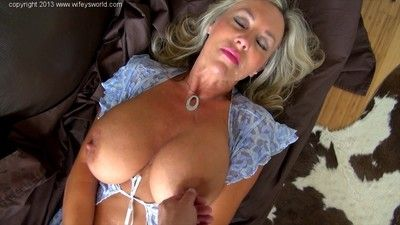 Sandra Otterson gets fucked for a gluey cumshot out of reach of the brush face added to beamy confidential