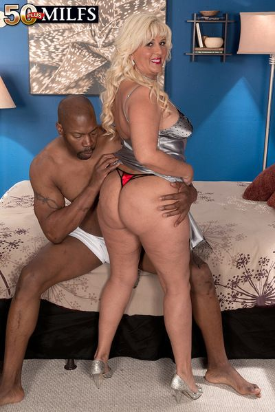 Big, Dusky Cock Be required of Big-assed Latina