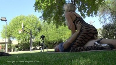 Juggy nylon clad mature stunner gets fucked be worthwhile for their way indiscretion abundant cum
