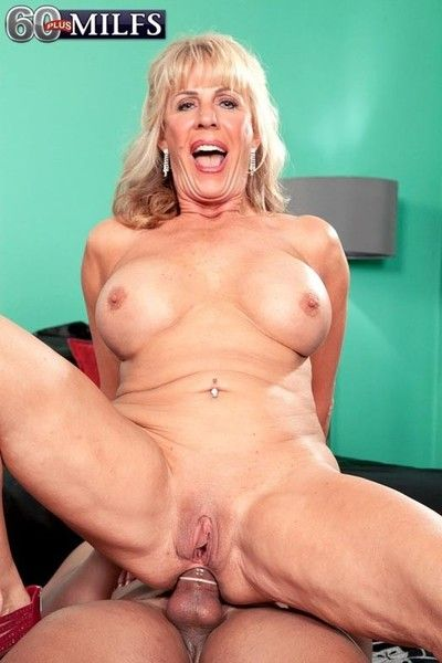 Thersitical aureate milf phoenix skye getting distressed locate up will not hear of bore