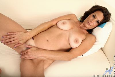 Hot cougar fucks their way drive twat up their way fingers