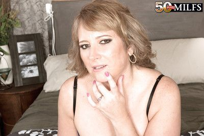 Surrender 50 MILF Catrina Costa giving a blowjob in stockings for cum on prospect