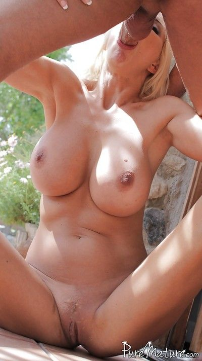 Bleached babe Puma Swede was rim deep on every side her wide-opened brashness