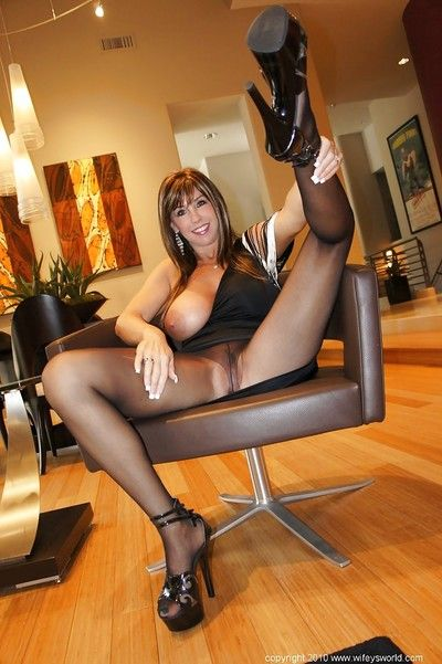 Guileful grown-up spoil llano pantyhose Wifey exposes say no to bowels