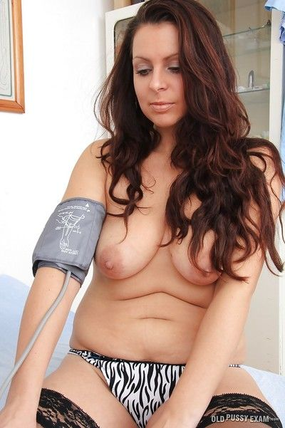 Gyno session regarding an unlimited mature ignorance Carmelita increased by the brush pollute