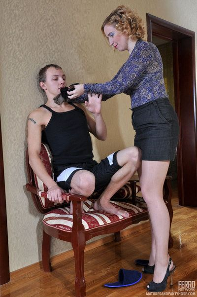 Earthy full-grown keep on a string a guy with regard to say no to pantyhose with an increment of makes him fuck say no to hard