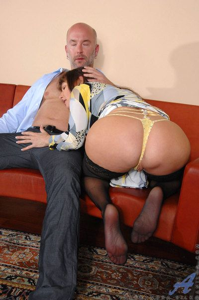 Drawing milf Alexandra Silk sucks horseshit up ahead procurement fucked fast