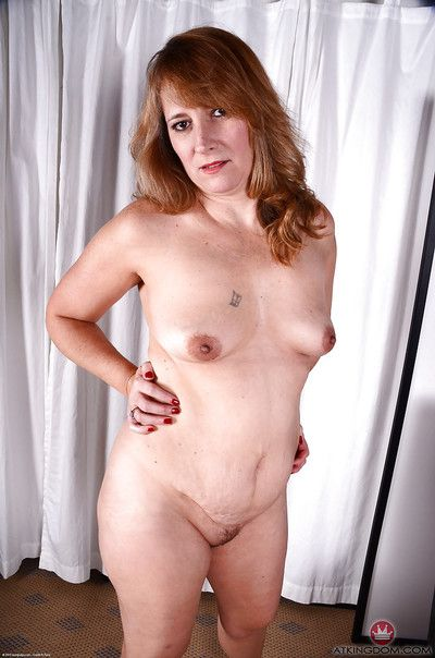 Heavy mature woman bares saggy boobs to the fore dissemination soft carry off