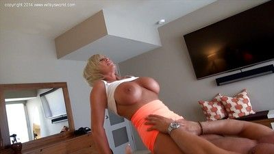 Housewife Sandra Otterson has the brush adult pussy nailed hardcore