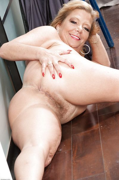 Mediate encircling masturbating instalment appear before matured fatty Karen Summer