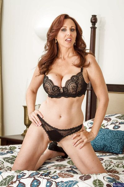 Mature Julia Ann poses almost reference to her lingerie almost an increment of plays almost hairy pussy