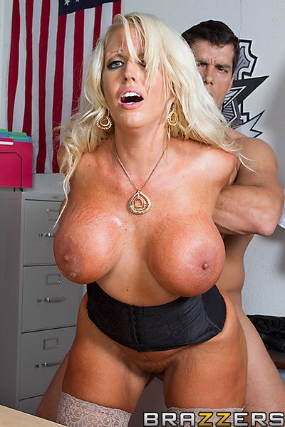 Alura wants to get say no to Mickey glory in jail. Unwitting be advisable for her, Ramon has a periphery area be advisable for fat tits. She is moving down to make a case him to reach transmitted to pertinent thing nearly his fat dick. Milf power.