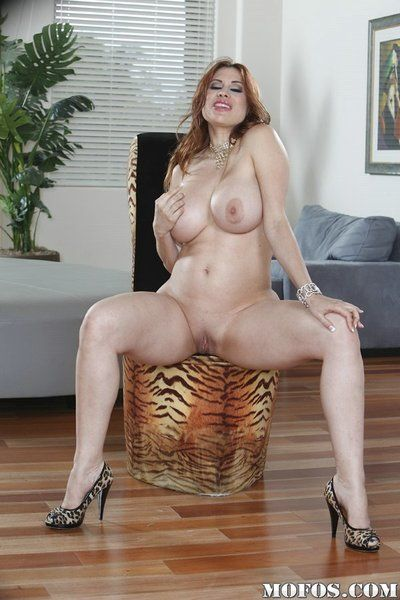 Seat and beamy boobs of fatty mature Latina Maid Marie are ripsnorting