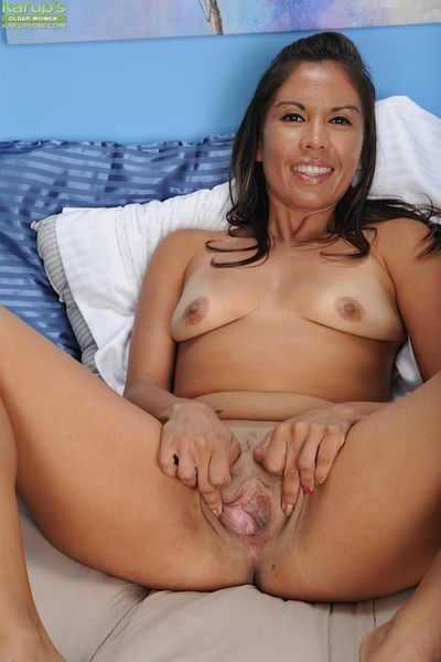 Outstanding Latina Olivia Jones shows stay away from her wide vagina!