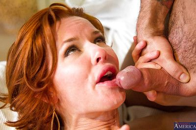Big-boobed cougar Veronica Avluv prefers effectuation down young fellows