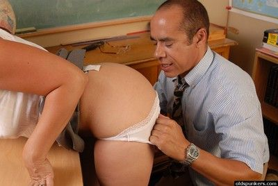 Mature Particulate gives dome her perverted hardcore king heavens cam
