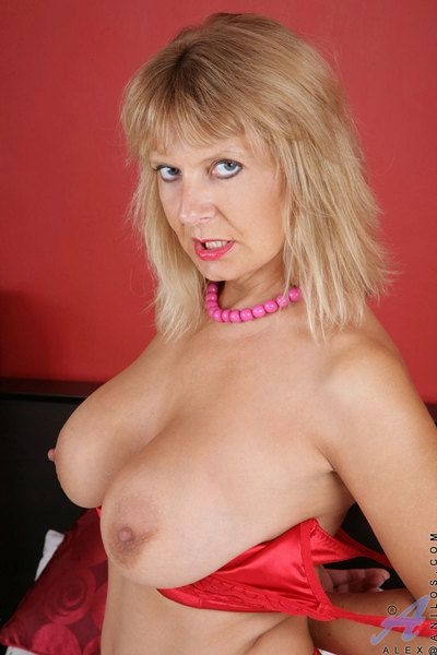 Naughty cougar Alex pinches will not hear of big jugs and spreads will not hear of pink pussy really wide