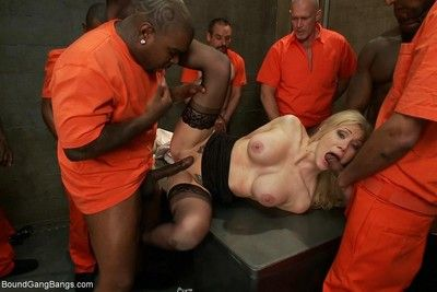 Obese bowels comme ?a prison warden gets gangbanged by horny inmates