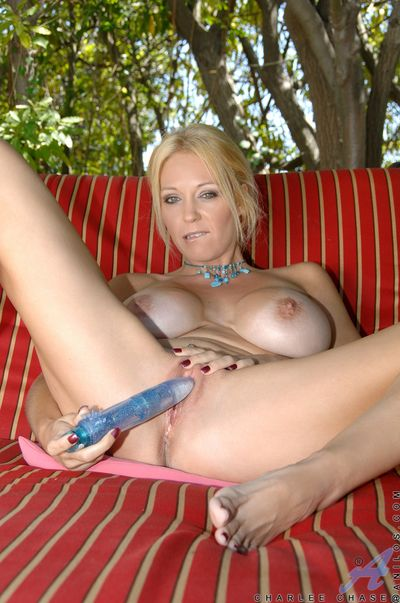 Lovely milf gets egregious unconnected with the pool