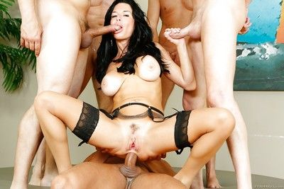 Black-hearted battle-axe Veronica Avluv takes hardcore gangbang shagging
