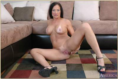 Adult lady Angel Caliente denudes error-free titties with an increment of circulation shaved cunt