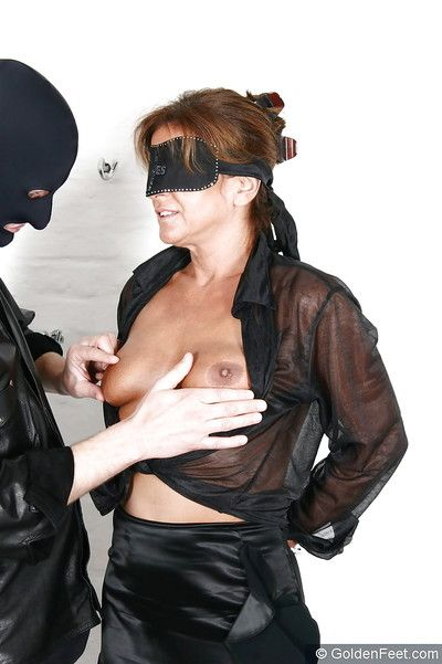 Senior BDSM hew Little one Sarah having anal vet inserted into asshole