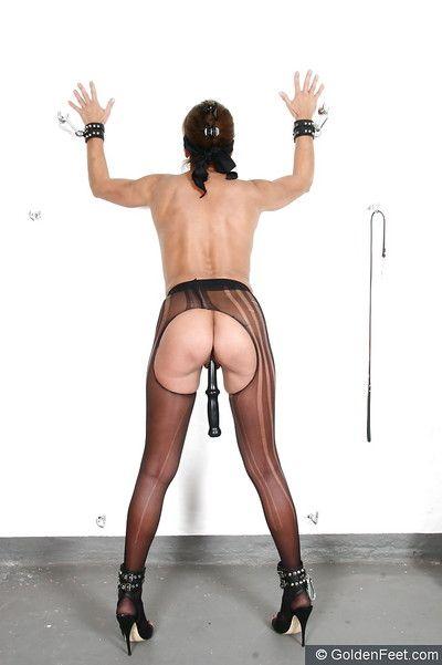 Senior BDSM hew Little one Sarah having anal vet inserted into asshole