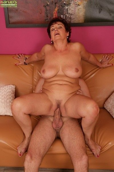 Bosomy mature unprofessional jessica hot bouncing atop load of shit