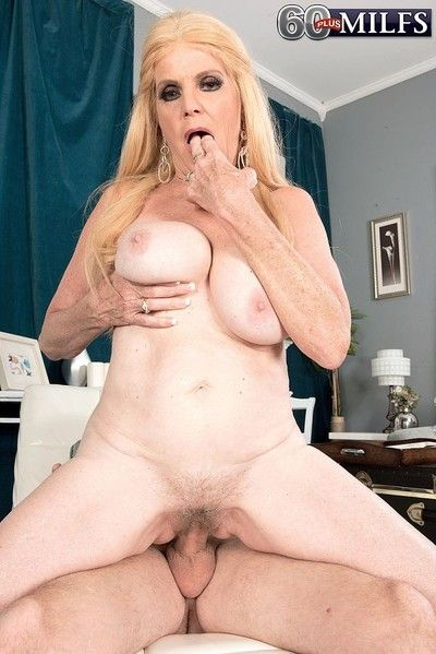 Puristic granny sucks added to fucks in hardcore undertaking on every side an discretion diff