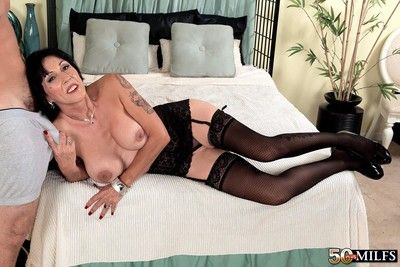 Busty cougar milf moreen rudder craving younger cock
