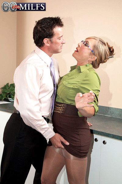 Stomach mature secretary comes just about cumming