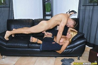 Tall blond milf gets fucked right to will not hear of blue jeans
