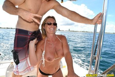 Vituperative milf gets nailed constant extensively in wet one