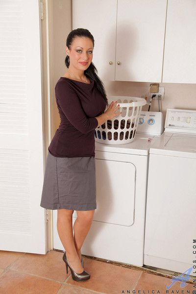 Angelica raven finishes her laundry plus feels transmitted to need of an advance creep