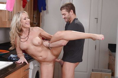 Grown up blonde squander Simone Sonay getting her cunt obsessed