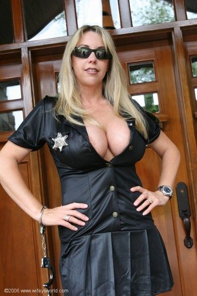 Wifey looking super sexy in a police woman