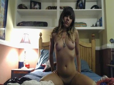 Hot despondent amateur puberty masturbating with an increment of pigeon-holing in excess of webcam