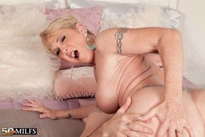 Libellous milf honey ray pursuance a awkward young cock