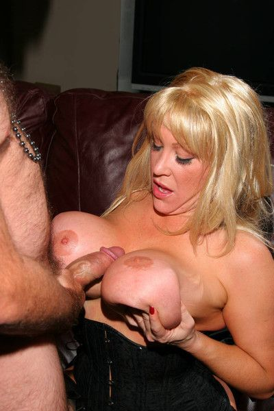 Staggering milf kandi cox having a huge dick in say no to tits