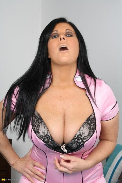 Eminent boobies insusceptible to this hot full-grown slut