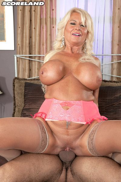 Annellise croft gets be transferred to studs cock prod bottomless gulf into their way pussy