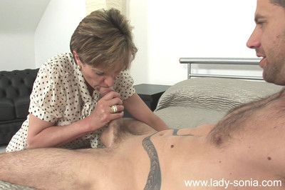British milf foetus sonia gets cumload on boobs