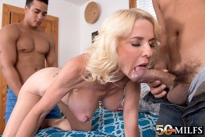 Well-endowed milf whore cammille austin fucking four unstinted cocks
