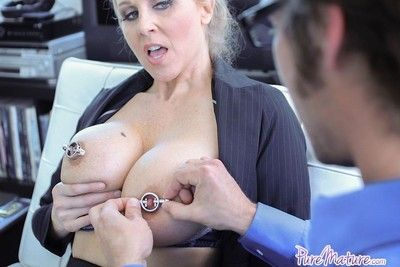 Well-endowed nympho boss julia ann fucked abiding going forward