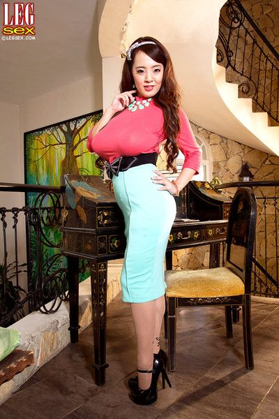 Asian lap boost mistress hitomi posing be expeditious for you