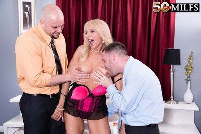 The man 50 slut chery leigh suckingfucking two hard cocks