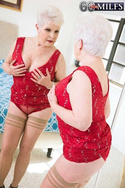 Granny marvel measures be useful to pretended young cock
