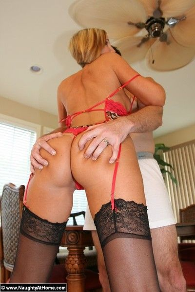 Perfect bodied milf desirae spencer takes dick doggy style